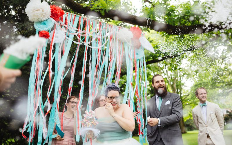 Alternative wedding in red and mint
