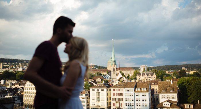 Verlobungsshoot im sommerlichen Zürich