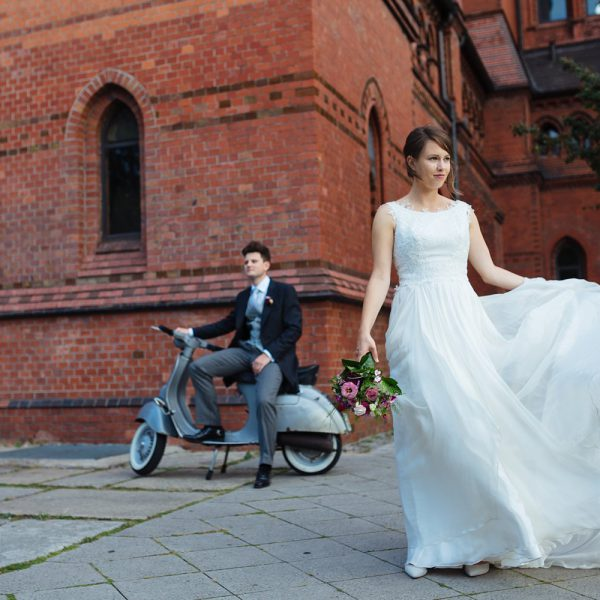Urban autumn wedding in Berlin