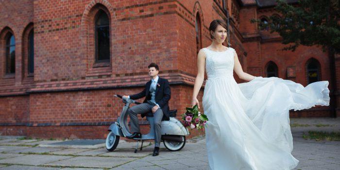 Mit der Vespa zur Trauung - eine urbane Hochzeit in Berlin