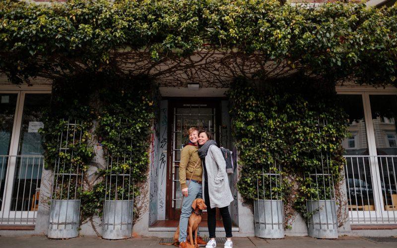 Verlobungsfotos mit Hund in Hamburg