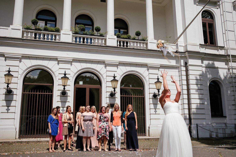 Urbane entspannte Hochzeit 37